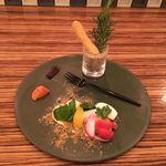 85109592 - 無農薬畑より、鮮やかな野菜たちの一皿