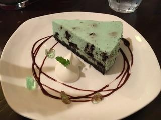 カフェイチマルマルイチ - クッキー&ミントレアチーズケーキ