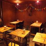 ティンバーズ カフェ ツキジ テーブル - 喫煙室♪