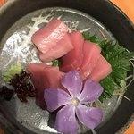 たんぼ居酒屋 - 萩沖で取れたマグロの刺身