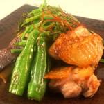 翠翔 - コーチンもも肉と季節野菜の岩塩焼き