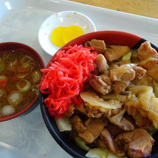 ひるがの高原サービスエリア下り線スナックコーナー - 料理写真:けいちゃん丼(750円)