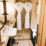 HOTEL NAPOLEON - バスルーム