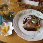cafe LEON - バナナチーズケーキとジャスミンティ