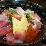 85123608 - 海鮮丼 1700円