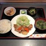 お食事処三久 - 料理写真:和風三品定食 ¥850 コーヒー付き