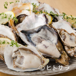 魚介イタリアン チーズ食べ放題 UMIバル - その時期に美味しい「生牡蠣」を産地から直送