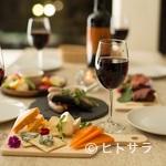 魚介イタリアン チーズ食べ放題 UMIバル - 宴席を華やかに彩る、目にも鮮やかな料理の数々