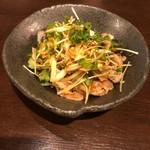 水炊き・焼き鳥 とりいちず - △砂肝と香味野菜の中華ナムル399円