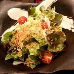 地鶏もも焼専門 角鶏 - サラダ♪ドレッシングは自家製らしいです♪