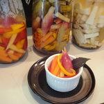 食楽びっきぃ - おかわり続出、自家製のさわやかピクルス。