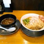 煮干し豚骨らーめん専門店 六郷 - 料理写真:煮干し100%つけ麺 800円 +100円で大盛2.5玉に。