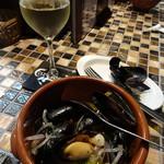 スペインバル ボスケ - ムール貝の白ワイン蒸しMサイズ700円