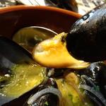 スペインバル ボスケ - 本場では殻でつまんで頂きます