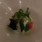 ラ セッテ - ブラータチーズと春野菜
