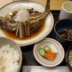 85138891 - カレイ煮定食(刺身付き)