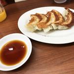 中華料理 松屋 - 餃子(五ケ)(250円)