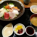 北浜くくり - 特製海鮮丼1080円