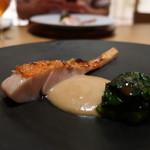 日本料理 鶴寿 - 勝浦の金目鯛の炙り 新玉ねぎソース添えアップ