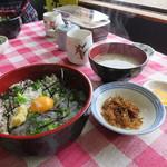 85158088 - しらすハーフ&ハーフ丼 1700円(2018年5月)