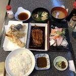 85158199 - 刺身盛合せ定食(マグロ、ハマチ、タコ、エビ、サバ、サーモン)、金目鯛煮つけ単品、天ぷら単品(ナス、カボチャ、白身魚、イカ、エビ)、漬物