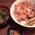 8516344 - 穴子天&野菜かき揚げ丼\490