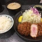 とんかつ大門 檍 - 上ロースかつ定食(1,500円)