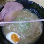 麺匠 京 - 料理写真:白湯ラーメン800円 丼の直径21cm