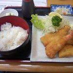8517428 - ミックスフライ定食(790円)