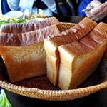 85173092 - 「沢村モーニングプレート」のトースト(4人分)