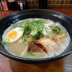 麺処 聖蘭 - 料理写真:豚骨醤油らーめん