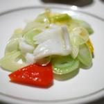 中国飯店 - アオリイカと野菜のネギショウガ炒め