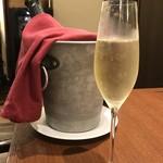 トラットリア テンポ ドーロ - フェルゲッティーナ フランチャコルタ・ブリュット イタリア産スパークリングワイン