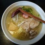 秋田ラーメン はま - しょうが塩ラーメン(あっさり・細麺)850円