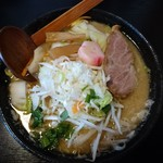 秋田ラーメン はま - やさい味噌ラーメン(こってり・太麺)930円