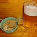 元喜 - 料理写真:お通し(筍煮)、生ビール(小)