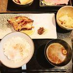 酒肴 まさむら - ランチ(目抜け粕漬け)¥990-(ご飯お代わりは無料みたいです)