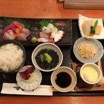 鮨市 - 料理写真:海鮮定食  ¥1080