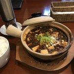中華ビストロうちだ - 料理写真:グツグツ麻婆豆腐 + 白ごはん