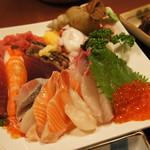 85207071 - 海鮮丼(具大盛)