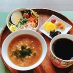 島cafe La・モンステラ - 料理写真:玄米茶粥プレートは屋久島産のほうじ茶で毎朝炊いています。