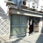 高崎屋本店 - 立ち飲みスペースの入口