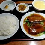 Yokohamachuukagaikeichinrou - 豚バラ肉の角煮セット850円2018/05