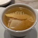 MASA'S KITCHEN - くちどけ加藤ポークのバラ肉と筍の蒸しスープ