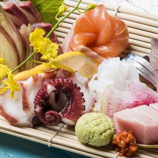 食べるべき逸品!鮮魚店直営だからできる「刺身の盛り合せ」