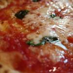 ピッツェリア ダ マッシモ - トマトソースとチーズのバランスがいい
