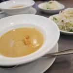 ムッシュさかい - 料理写真:スープ&サラダ先に