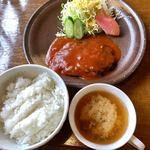 古月堂 - ハンバーグ定食730円