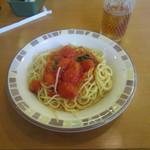 サイゼリヤ - プチぽよとバジルのスパゲッティでございます