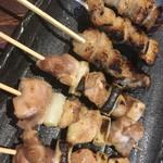 炭火焼き鳥とメガ盛り唐揚げ食べ放題 鳥匠 熊本屋 -